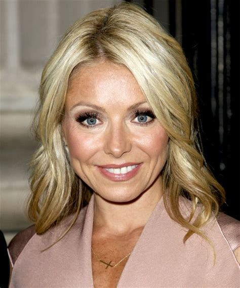 kelly ripa bob wave hair pinterest kelly ripa bobs 97 best images about kelly is ripa on pinterest