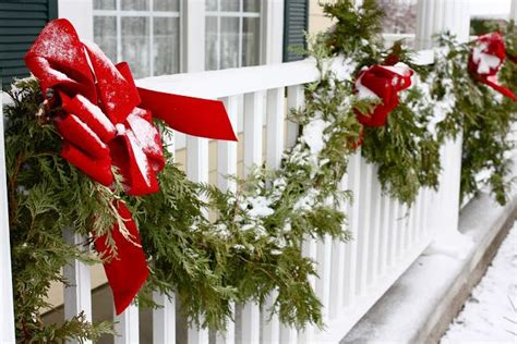 picture of cool christmas balcony decor ideas