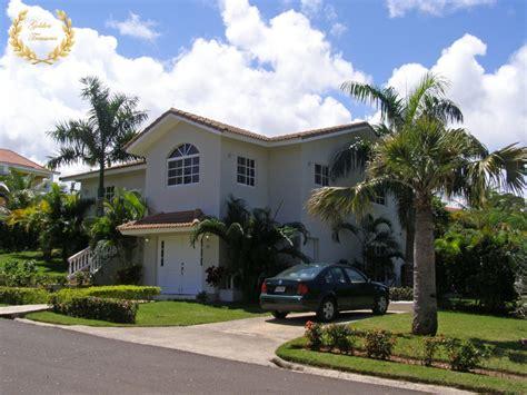 4 bedroom rentals 4 bedroom villa rental with swimming pool