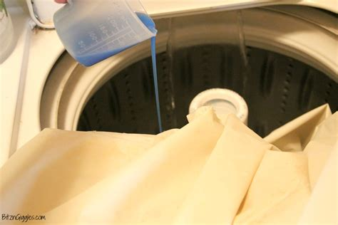 Washing Shower Liner by How To Clean A Vinyl Shower Curtain Bitz Giggles