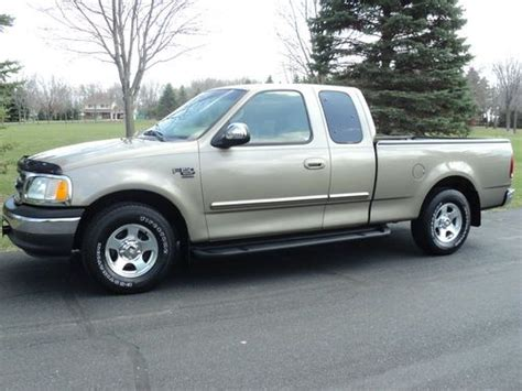 Ford F150 Lariat 2002 4 Door by Find Used 2002 Ford F 150 Xlt Cab 4 Door 4 6l