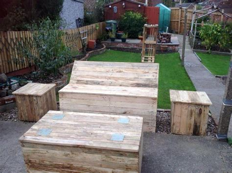 pallet furniture patio diy pallet garden and patio furniture set