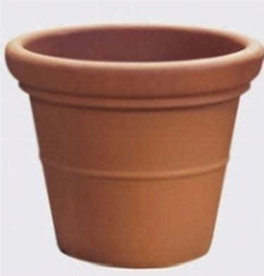 fioriere in plastica fioriere in plastica rotazionale vasi e fioriere
