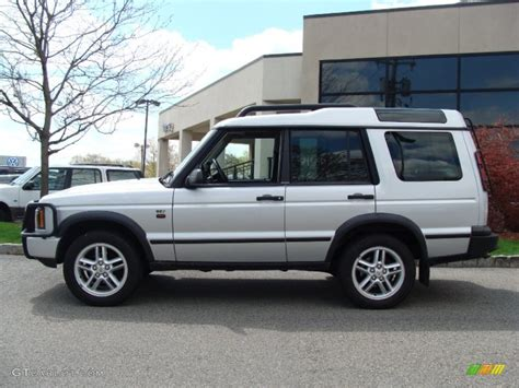 silver land rover discovery zambezi silver 2004 land rover discovery se7 exterior