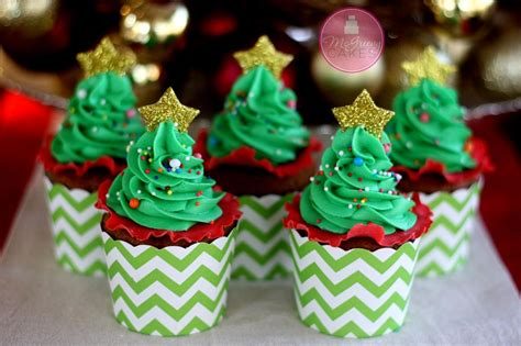 easy christmas tree cupcakes with free video tutorial