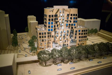 chinese film uts frank gehry contorts brick fa 231 ades on ut sydney business