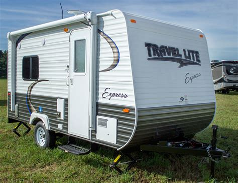 best light travel trailers top 5 best travel trailers under 2 000 lbs rvingplanet blog