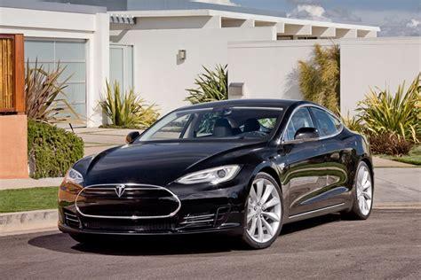 Tesla Toyota Partnership Toyota And Tesla Working On 1 Billion Deal