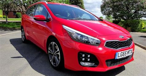 Kia Birmingham Uk The Kia Cee D Is A Practical Stylish And Well Equipped