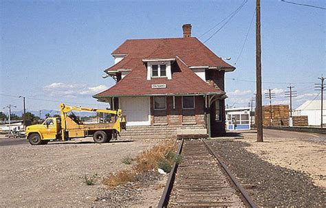 a mtrak ontario station september 1982
