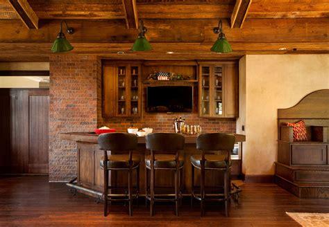angolo casa 16 esempi di angolo bar in casa con arredamento rustico