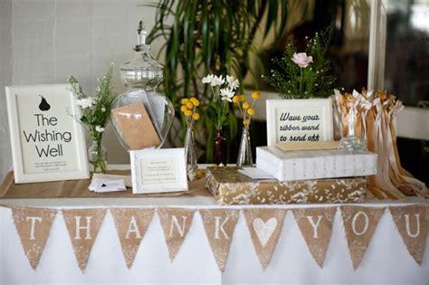 tips on handling the wedding gift table