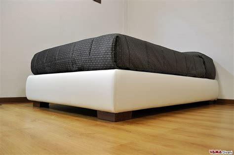 mondo convenienza letto contenitore 1 piazza e mezzo letto con contenitore una piazza e mezza senza testata sommier