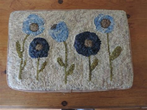 how to hook rugs with yarn 230 best images about rug hooking and hooked rugs on wool yarn felted wool and hooks