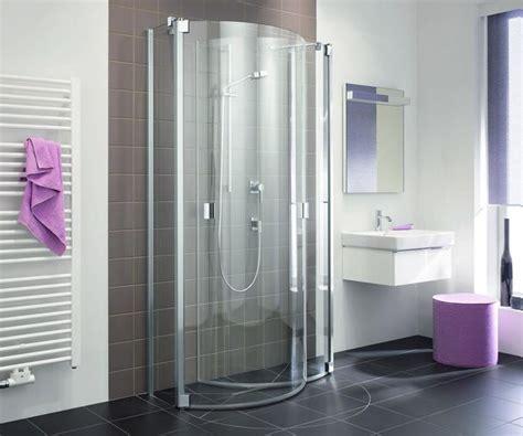 bodengleiche dusche mit wegklappbaren glastüren 25 best ideas about behindertengerechtes bad on