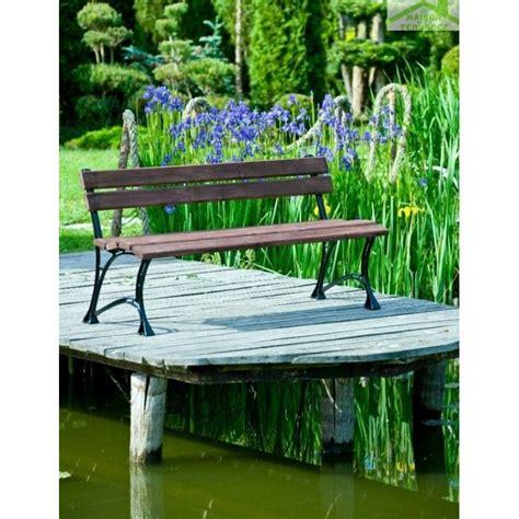 banc couleur banc de jardin en bois couleur noyer et aluminium 150cm