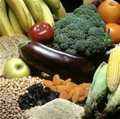 alimenti consigliati per emorroidi dieta per emorroidi ecco i cibi da evitare e cosa mangiare
