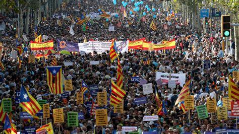 cabecera manifestacion barcelona atentados barcelona barcelona marcha contra el terrorismo