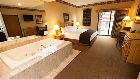 your great room great wolf carolina family resorts family suites greatwolf