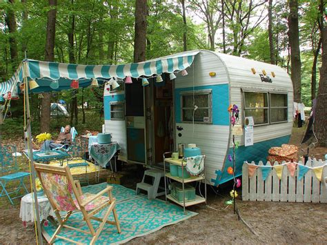 Trailer Decorating Ideas by 10 Rv Decorating Ideas You Need To See