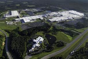 At Mercedes Plant In Alabama Mercedes Invests 1 Billion In The Alabama Plant To