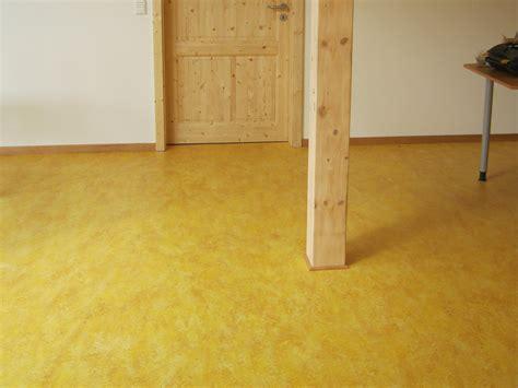 Pvc Boden Gelb by Der Biber In Verden 246 Kologische Bodenbel 228 Ge