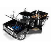 Auto World 118 1978 Dodge Midnite Express Pickup Truck Diecast Car