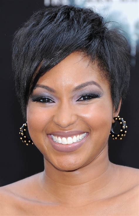 short hair styles that lift face 50 most flattering hairstyles for round faces fave