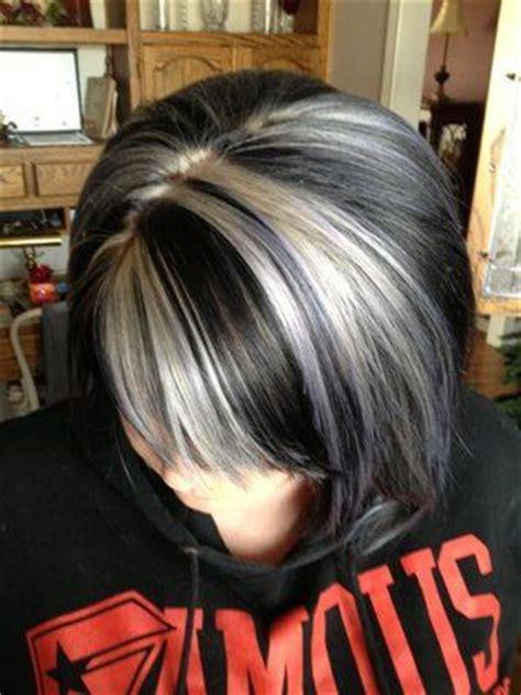 dark brown hair with plantinum highlights platinum highlights w dark brown hair my salt and pepper