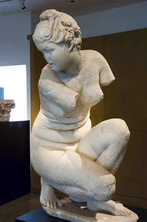 famous greek statues pin by debi klaers on sculptures statues pinterest