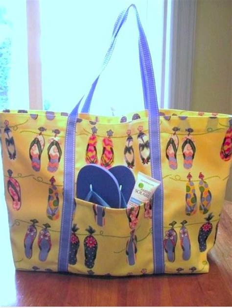 quick tote bag pattern from poolside to back to school your going to love