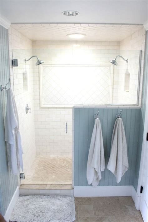 shower ideas for small bathroom best 25 small bathroom showers ideas on small