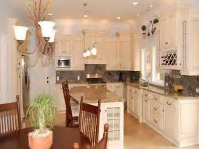 Small Kitchen Color Ideas Pictures by Kitchen Wall Color Ideas Kitchens Maple Cabinets In