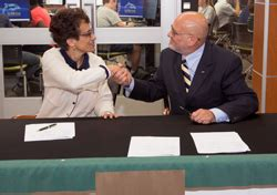 Lemoyne Mba Current Students by Le Moyne College And Cazenovia College Sign 4 1 Agreement