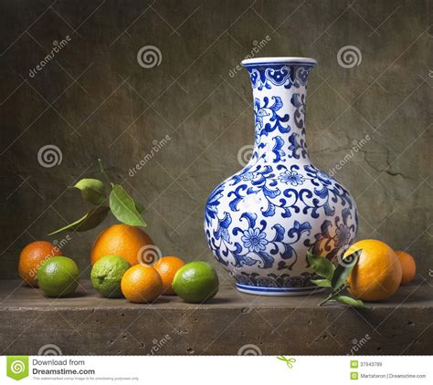 Blue White Porcelain Vases Still Life With Chinese Vase Royalty Free Stock Images