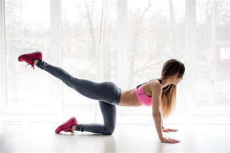 esercizi interno coscia da fare a casa esercizi fitness per cosce e glutei da fare a casa diredonna