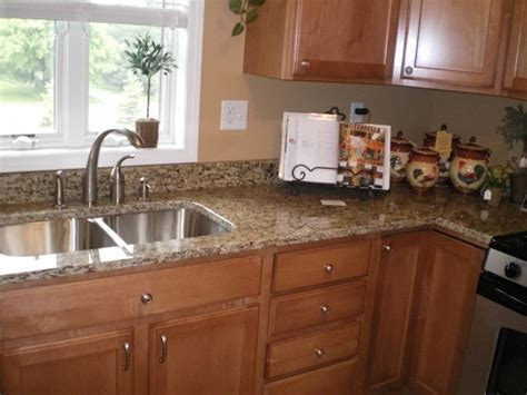 Laminate Countertops With Oak Cabinets by 25 Best Ideas About Santa Cecilia Granite On