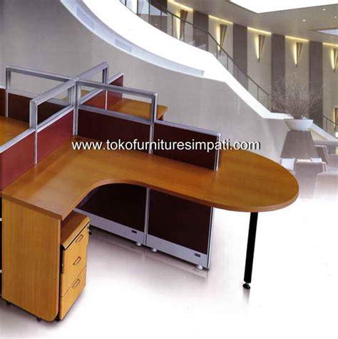 Meja Kantor Uno Classic Tanpa Laci Lebih Murah uno office furniture penyekat partisi kantor murah harga