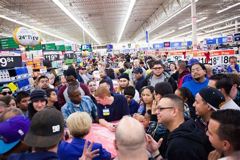 what is best stores on black friday get christmas decrerctions here s why you shouldn t go to the store on black friday cnet