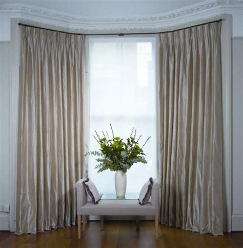 Hanging Curtains On Poles Designs Best 25 Blinds For Bay Windows Ideas On Pinterest Kitchen Blinds For Bay Windows Shutters