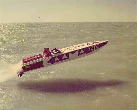 cigarette boat website cigarette boat jump www pixshark images galleries