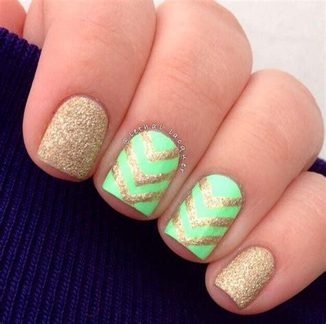 chevron pattern nails chevron nail design beauty pinterest