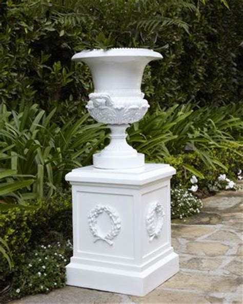 Pedestal Garden Planters by White Urn Planter Pedestal At Horchow A Quot Must Quot For
