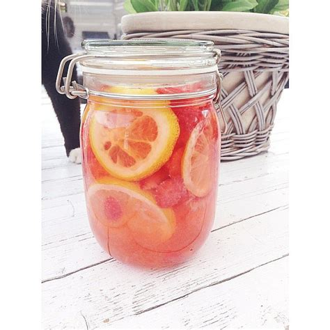 Detox Water Lemon And Strawberry by Miranda Kerr Workout Motivational Quotes Popsugar