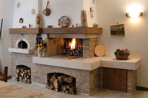 camini da interni caminetto rustico per taverna con forno pane e pizza