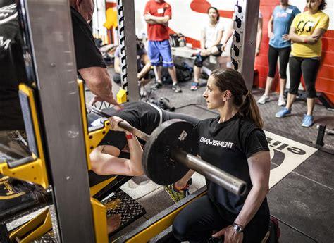 bench press technique for beginners 100 proper bench press grip width chest press u2013 flat bench regular grip