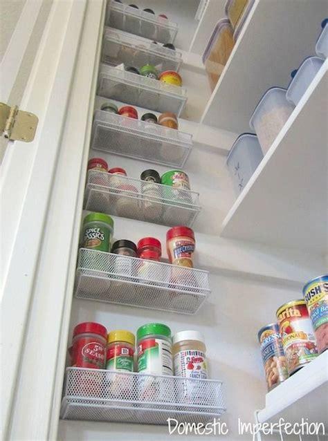Rak Bumbu Dapur 12 tips nyaman tinggal dalam rumah minimalis rooang