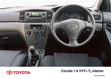 corolla 5 door interior 2002 2004 toyota uk media site