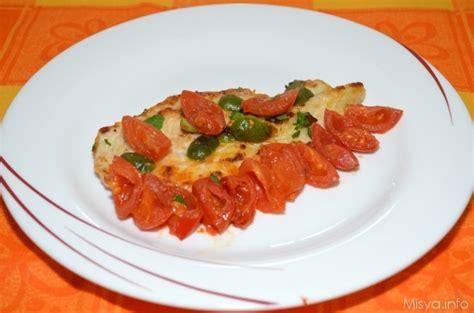 cucinare il petto di pollo a fette 187 petto di pollo con pomodorini e olive ricetta petto di