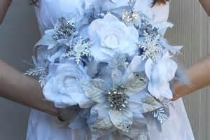 winter wedding bouquet ideas alternative bridal bouquet winter wedding